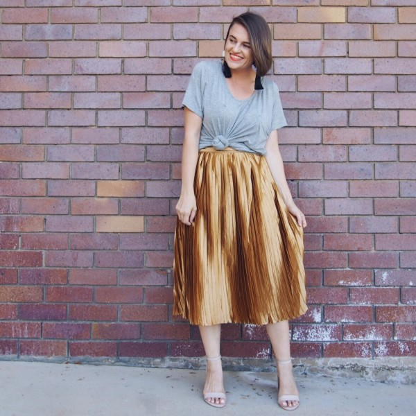 gold pleated skirt blogger outfit